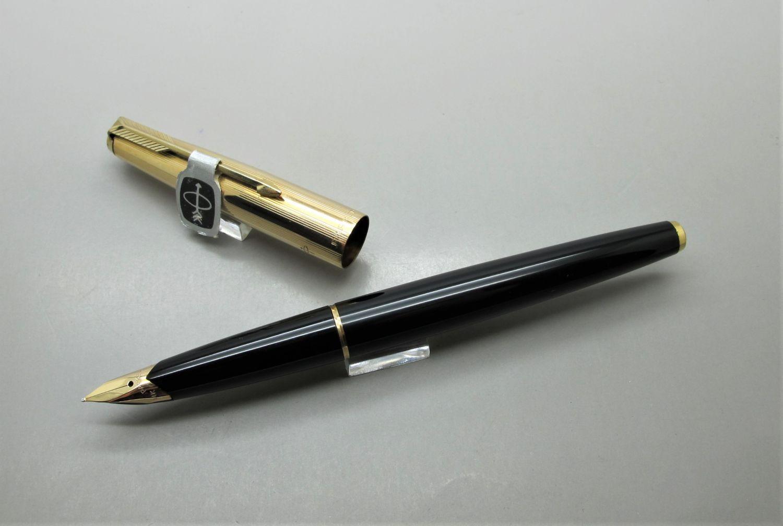 Parker 65 Gold