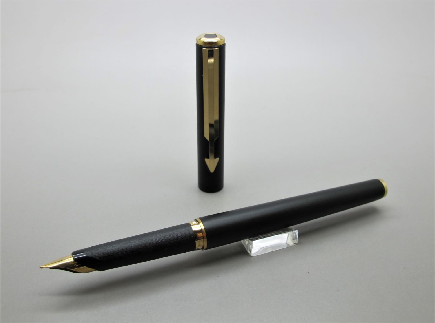 Parker Arrow Matte Black