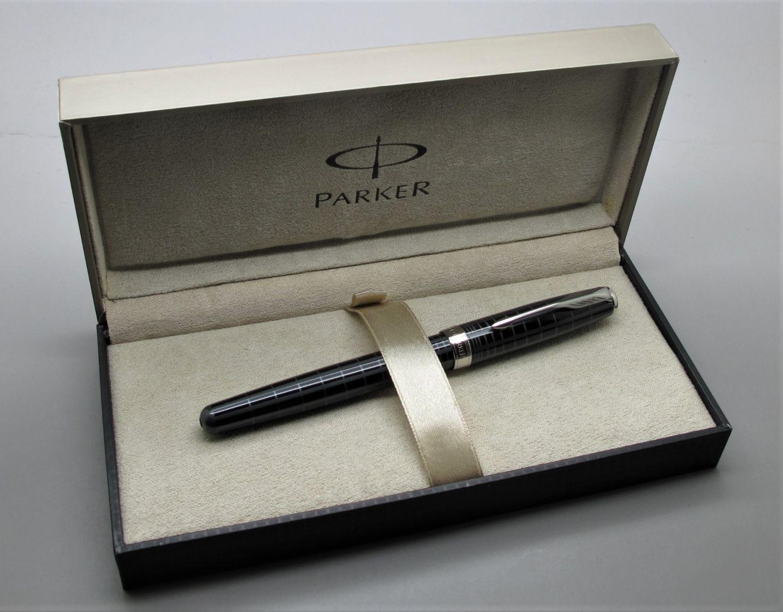 Parker Sonnet Dark Grey